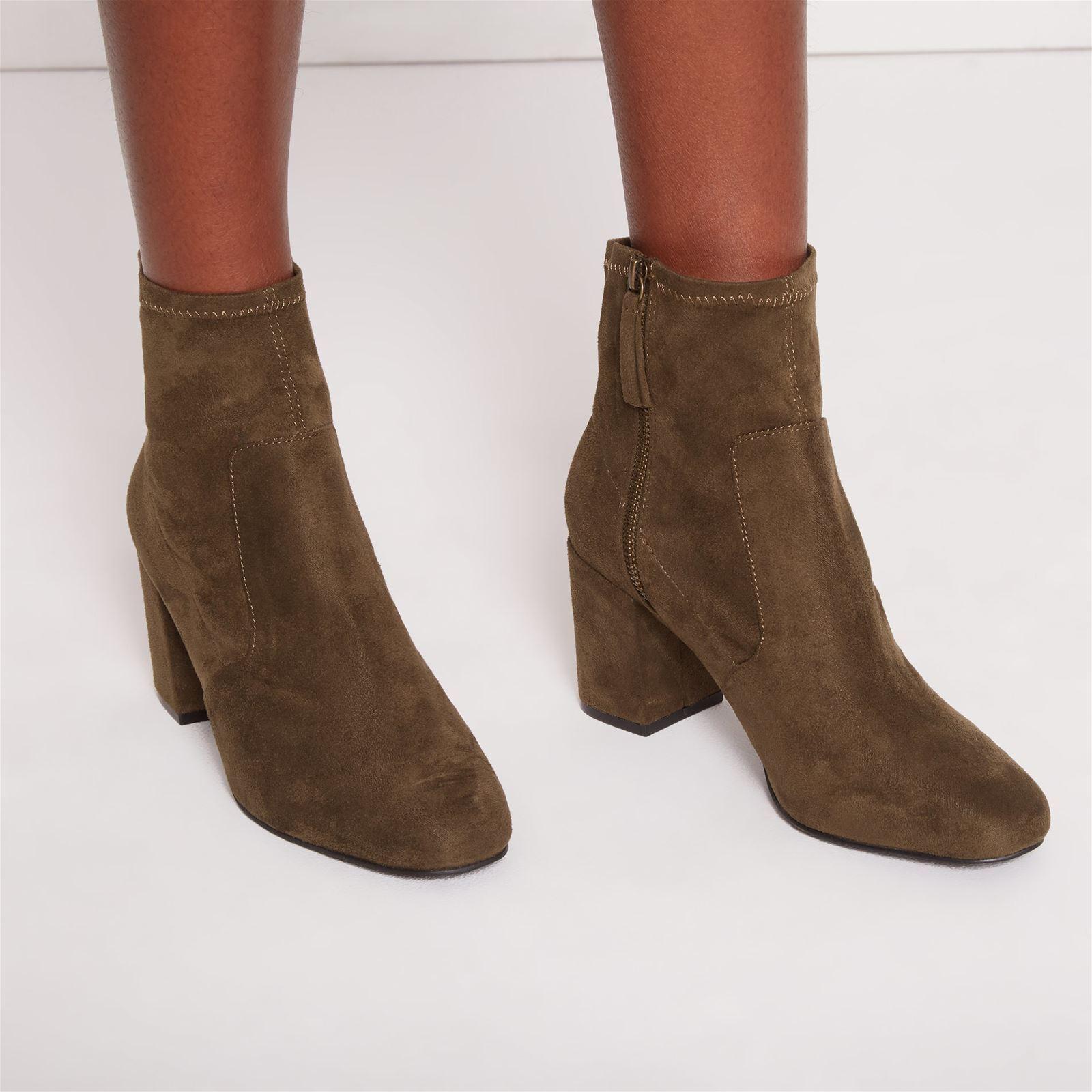 Boots et chaussettes