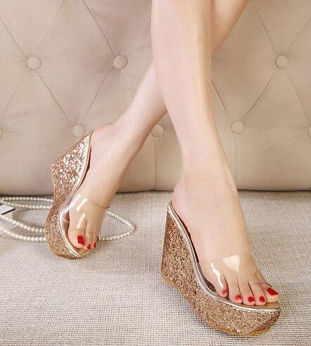 Chaussure compensée transparente