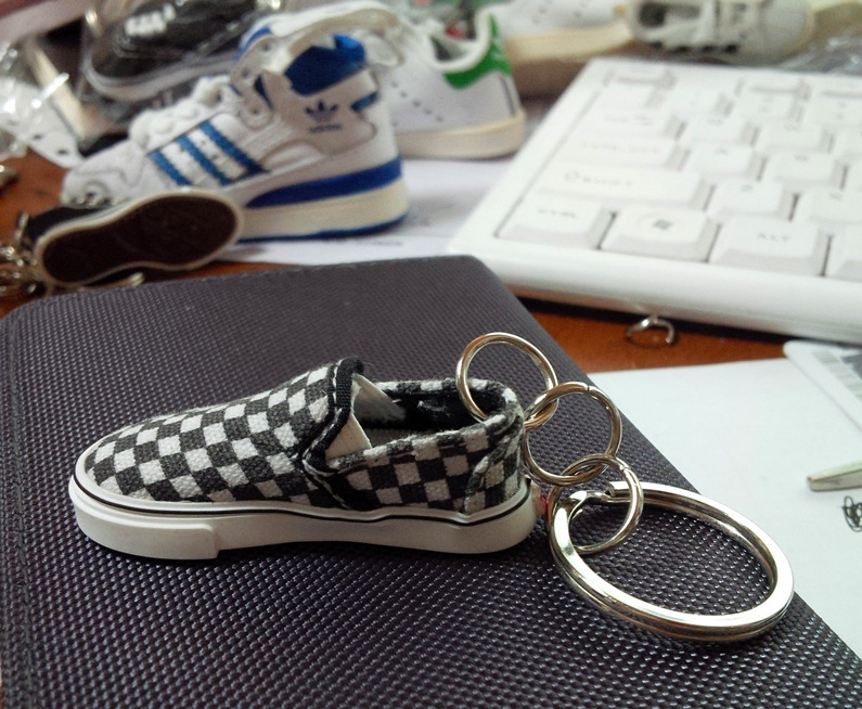 Sneakers keychain 3d