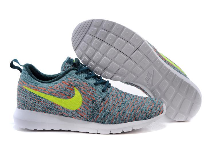 Nike bleu clair