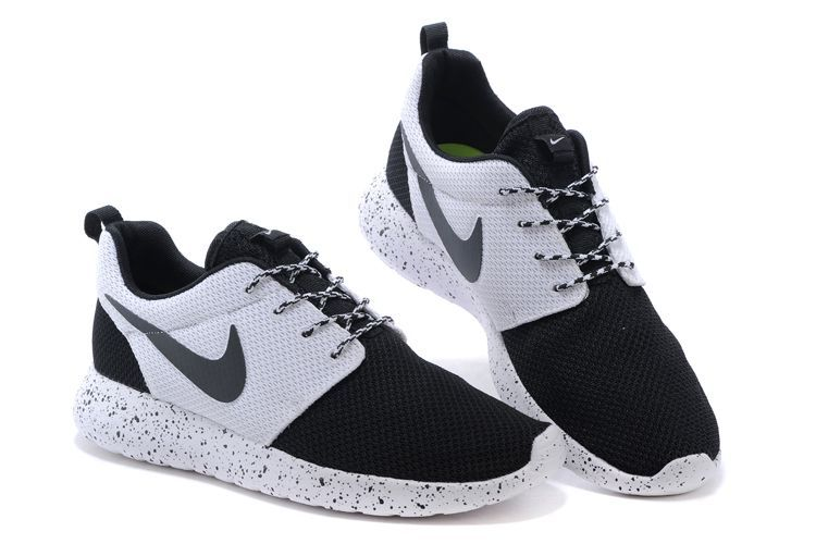 Nike running noir et blanche