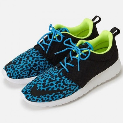 Nike running leopard shoes