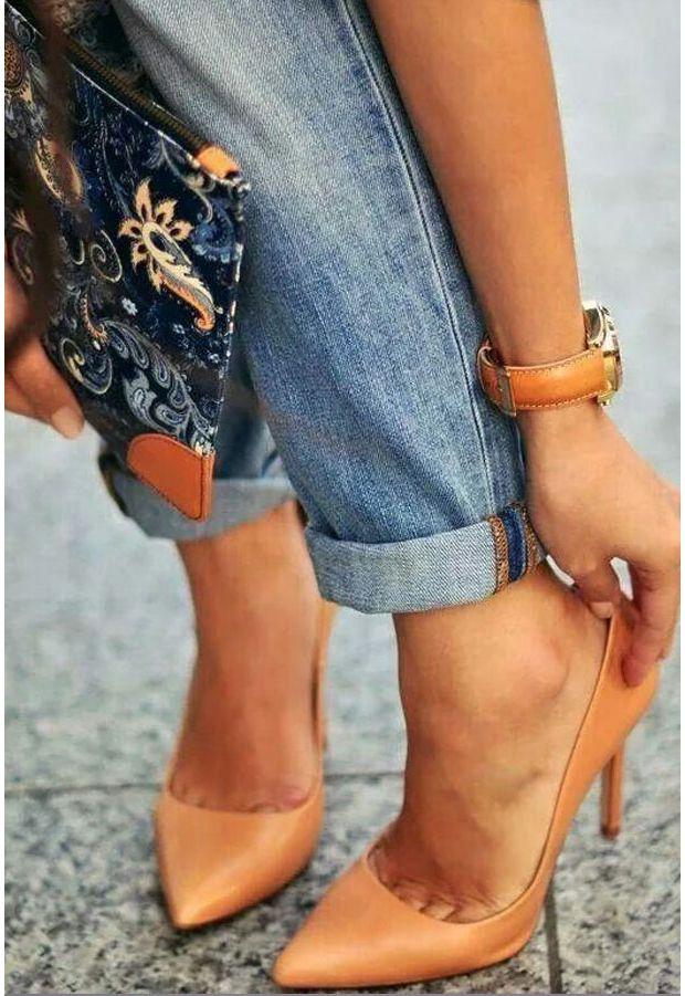 Petite chaussure de ville