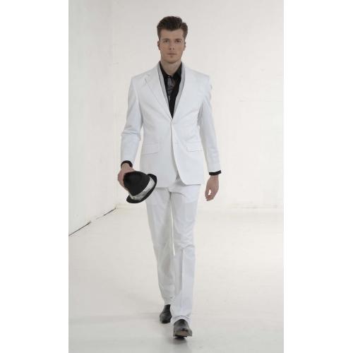 Chaussure avec costume blanc