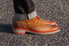 Chaussure de ville comme un camion
